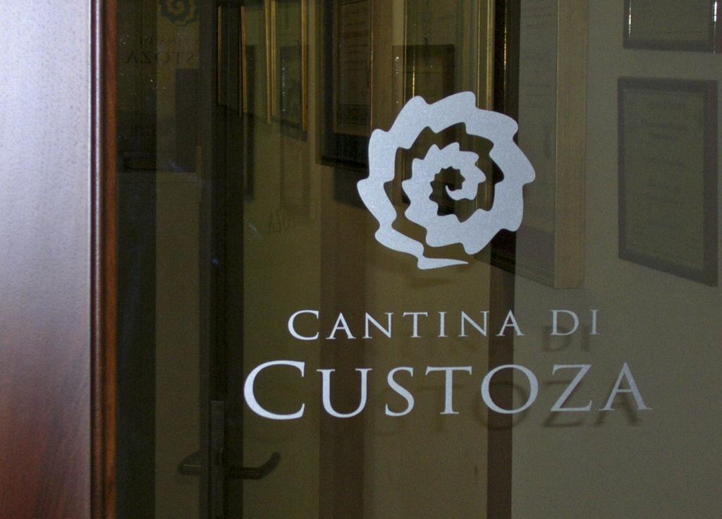 Cantina-Custoza-porta