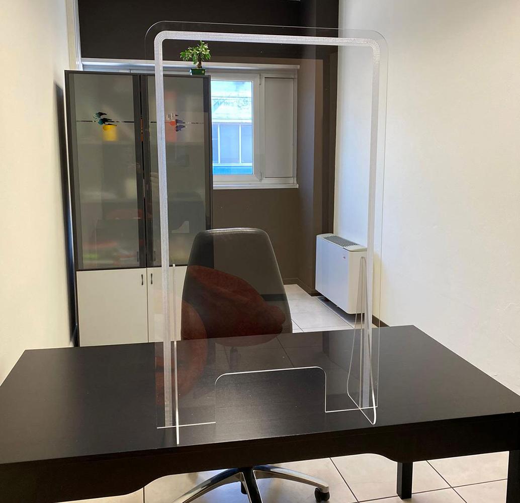 schermo trasparente protettivo in plexiglass